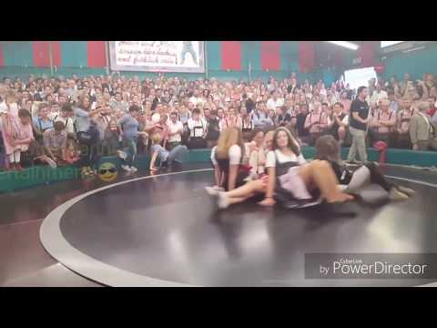 Oktoberfest 2016 funny Girls- Teufelsrad in Munich (Bayern) Germany
