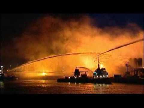 Großbrand in einem Tanklager Mehrere Explosionen erschüttern Kieler Hafen Norddeutschland Region Hamburger Abendblatt abendblatt de