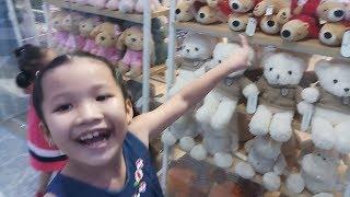Bé Na Đi Siêu Thị Mua Đồ Noel ❤ KN Cheno kn chânnel ❤ Đồ Chơi Trẻ Em toys for kids