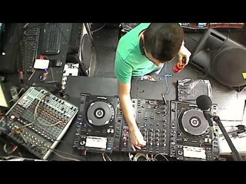 transporting radio show by Dj Tusso Invitado Santiago Moreno,