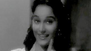 download lagu Kahin Pe Nigahen Kahin Pe Nishana - Shamshad Begum, gratis