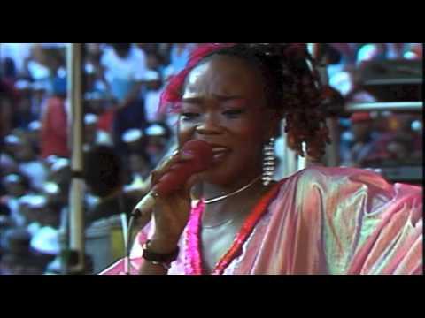 Brenda and The Big Dudes - Weekend Special (Live at Ellis Park Stadium, 1985)