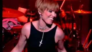 14 Pat Benatar Hit Me With Your Best Shot Live 2001