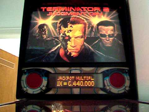Pinball - Williams - Terminator 2 - Backglass During Play