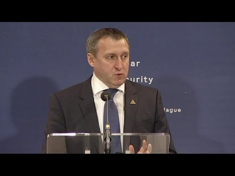 Incontro Lavrov-Deshchytsia a L'Aja. Procede evacuazione militari Kiev da Crimea