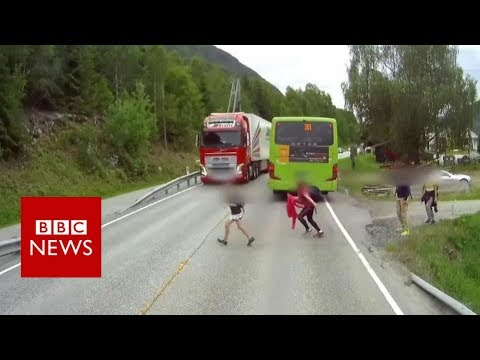 Dashcam captures truck's near miss with child in Norway - BBC News thumbnail
