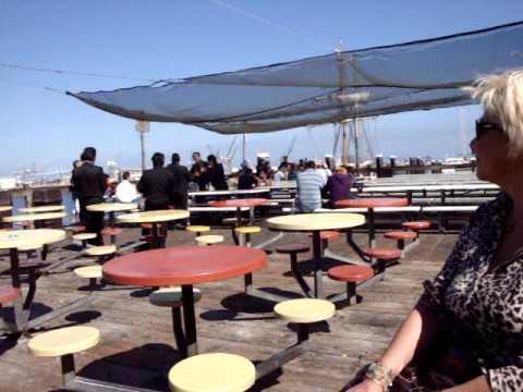 San pedro fish market mariachi 39 s youtube for San pedro fish market and restaurant
