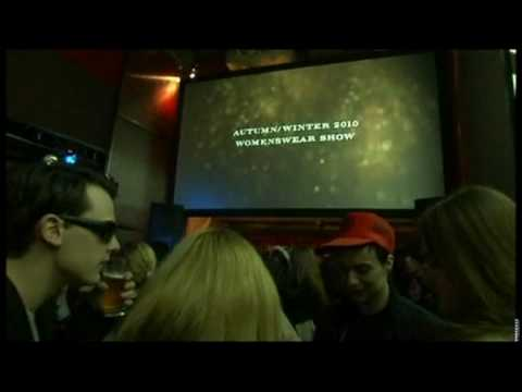 3D showing of the Burberry fashion show at the Beaux-Arts in Paris Video