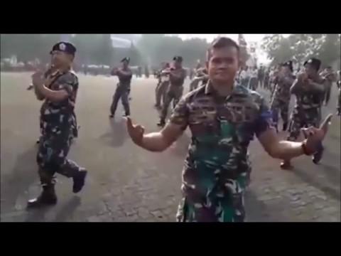 Бой бой бой песня русская