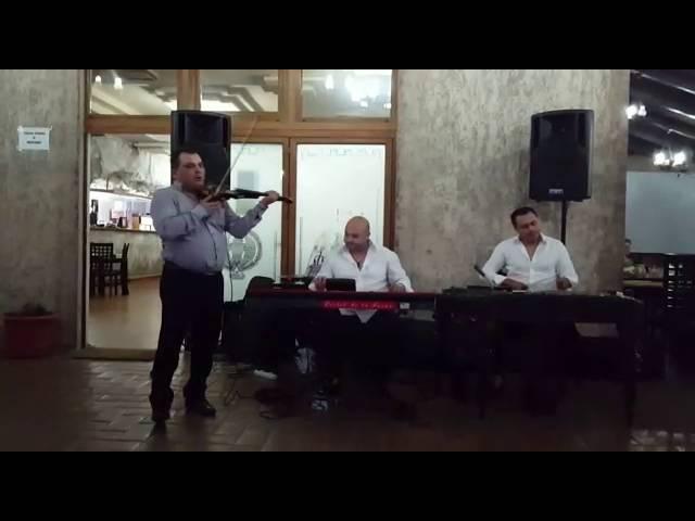 Nicusor Troncea, Florin de la Iancu Jianu si Costel de la Turnu Instrumentala la Vatra Romana