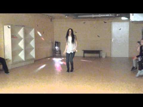 Me dancing to Replay by Zendaya