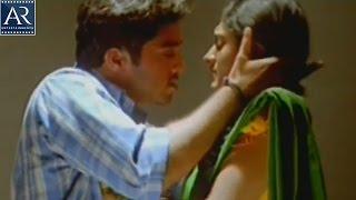 Seethakoka Chiluka Movie Scenes | Navdeep Forcibly Kiss to Sheela | AR Entertainments