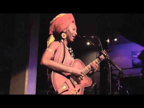 Fatoumata Diawara - Kele live at Jazz Cafe