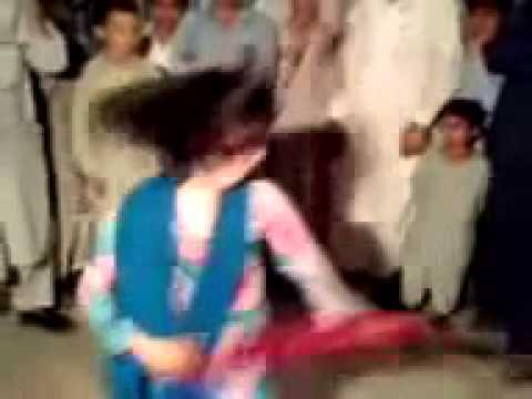 Afghan Very Nice mast Girl Attan Dance 2012