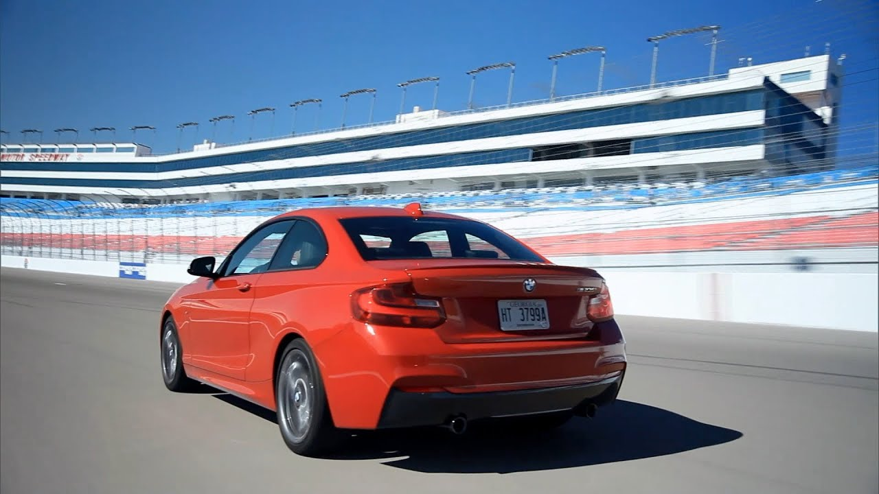 bmw m 235i coupe on the las vegas speedway youtube. Black Bedroom Furniture Sets. Home Design Ideas