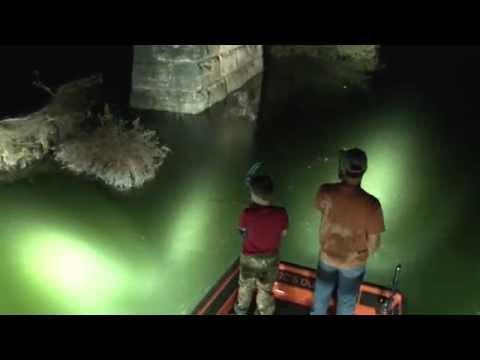 Bowfishing on the Yegua