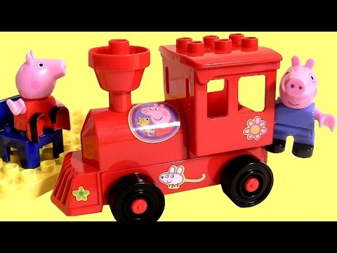 Peppa Pig Blocks Locomotive Mega Train Construction Set - Estación De Tren Juego De Bloques video