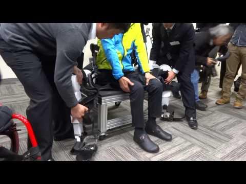 歩行アシストロボット「Active Gear」取り外して車椅子へ移乗