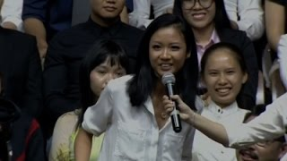 Vietnamese Rapper Raps for Obama