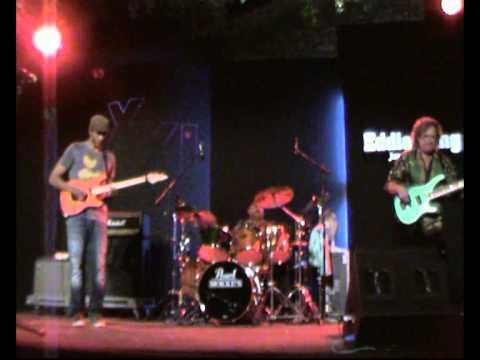 Greg Howe - Dennis Chambers - Stu Hamm - Opening Act Eddie Lang Jazz Festival 2011