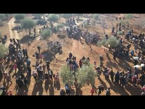 Syria: Thousands eep fleeing to Turkey on Friday