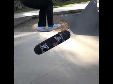 🌪🌪@dashawnjordan 🎥: @andrewn89   Shralpin Skateboarding
