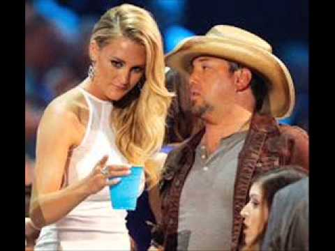 News : Jason Aldean and Brittany Kerr Are Engaged!