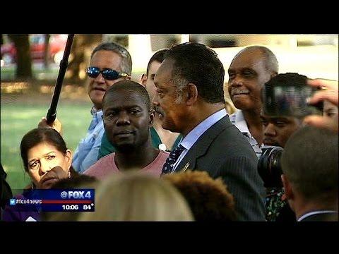 Rev. Jesse Jackson comes to Dallas to help Ebola patient