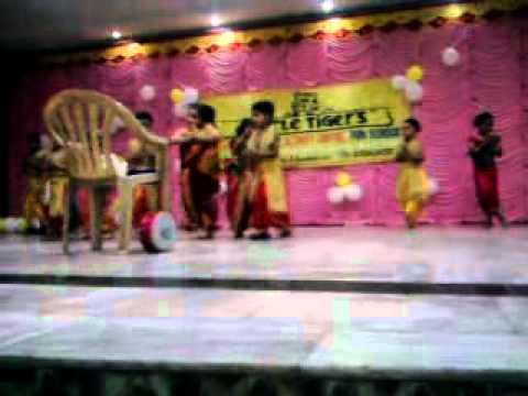 Asmi Dancing On Maurya Maurya Marathi Song .mp4 video