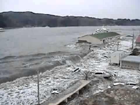 Clip mới- Kinh hoàng xem sóng thần ập bờ - Tin tức trong ngày.flv