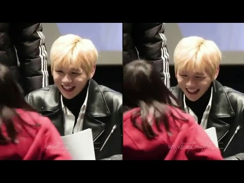 Kang Daniel's Reaction When He Saw The Little Wannable Approached Him.