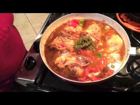 Pollo Guisado A Estilo Dominicano Con Sabor Boricua