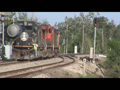 "Railfanning Paducah, KY 5/15/09:  A435/434 ""FUPD"" engine pick-up"