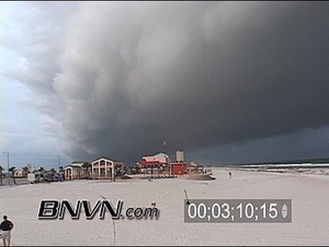 7/9/2005 Hurricane Dennis Video part 5. Clouds and rain moves into Pensacola Beach FL