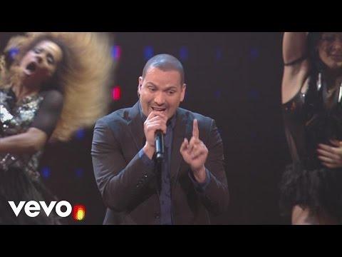 Victor Manuelle - Mi Salsa Alegra la Fiesta (Live)