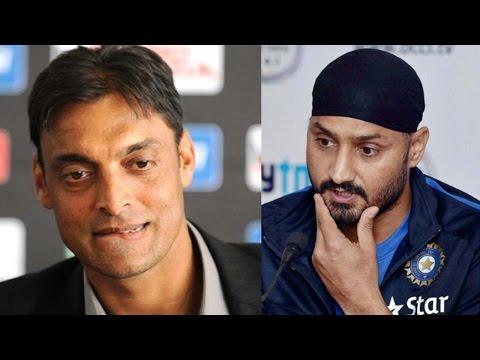 Harbhajan Singh reveals Shoaib Akhtar once bashed me and Yuvraj in a room | वनइंडिया हिन्दी