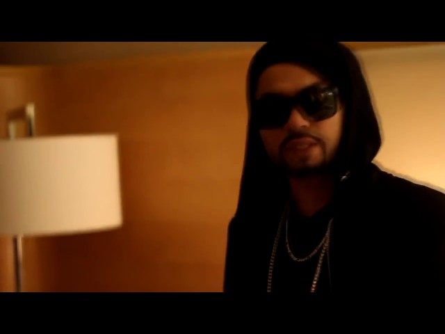 Bohemia meets a fan after show