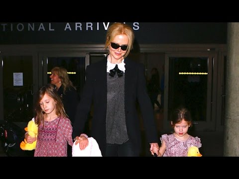Nicole Kidman Arrives At LAX With Adorable Matching Daughters