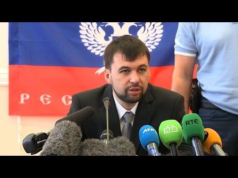 Battle for key Ukraine airport as future leader vows 'no Somalia'