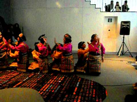Traditional Saman Dance from Aceh province, Indonesia.