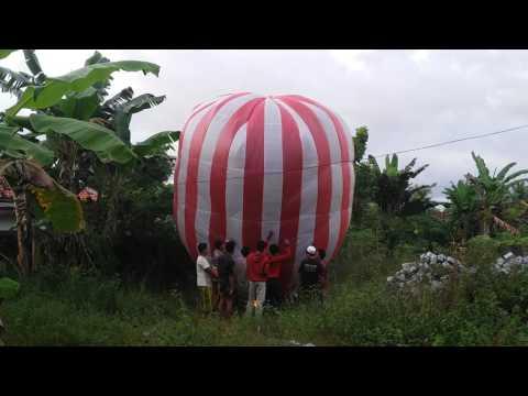 Download Balon udara/Lampion terbang/LUKBAN Madura Mp4 baru