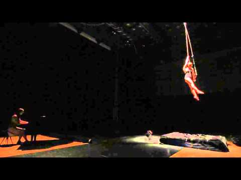 Fun Fatale - Contemporary Circus - Bara and Ivvy