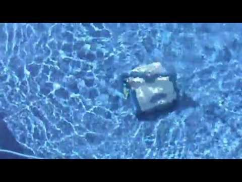 Aquabot - Robotic pool Cleaner