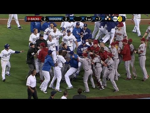 Wild brawl erupts btwn Diamonbacks and Dodgers after Kennedy hits Greinke with pitch