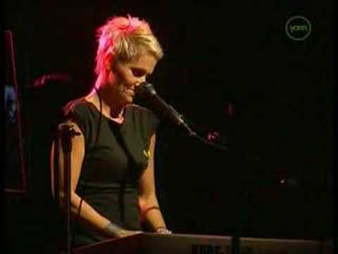 Roxette - Live - It Must Have Been Love - Solo video