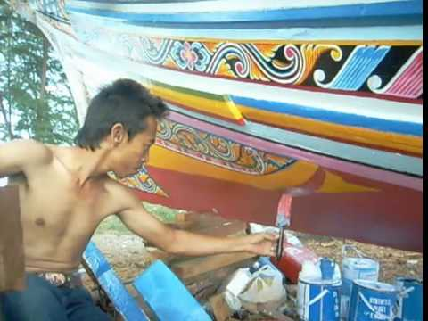 Ancient art & craft in vain – Korlae boats in Thailand,  by