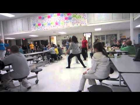 Mid-Prairie Middle School 8th Grade Flashmob