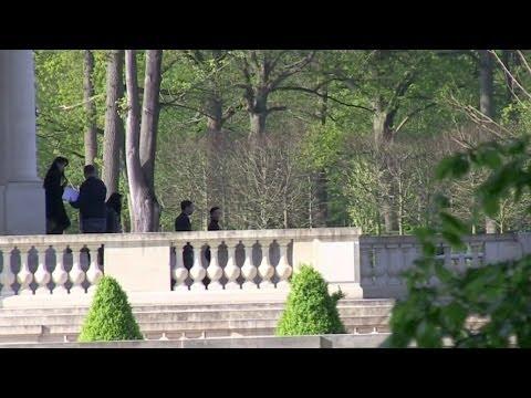 EXCLUSIVE: Kim KARDASHIAN visiting a FAKE CHATEAU for her WEDDING outside Paris