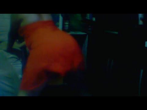 gatinha dançando dança da bundinha