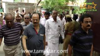 Stars Pays Last Respect To Cho Ramaswamy